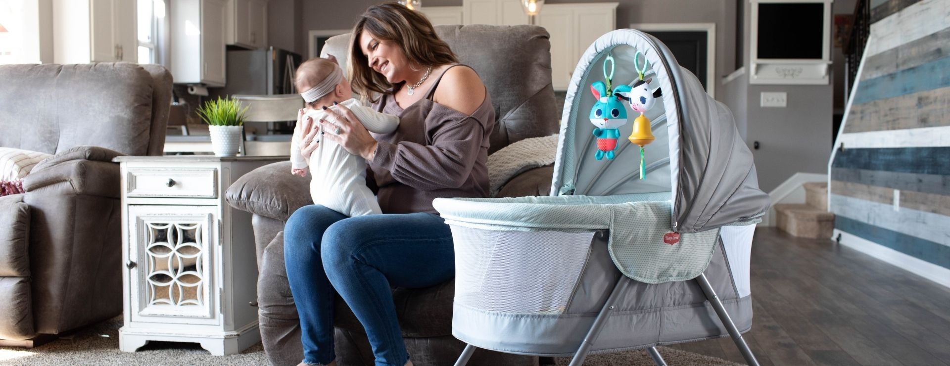 Portable and light, the bassinet lets you keep your little one close by