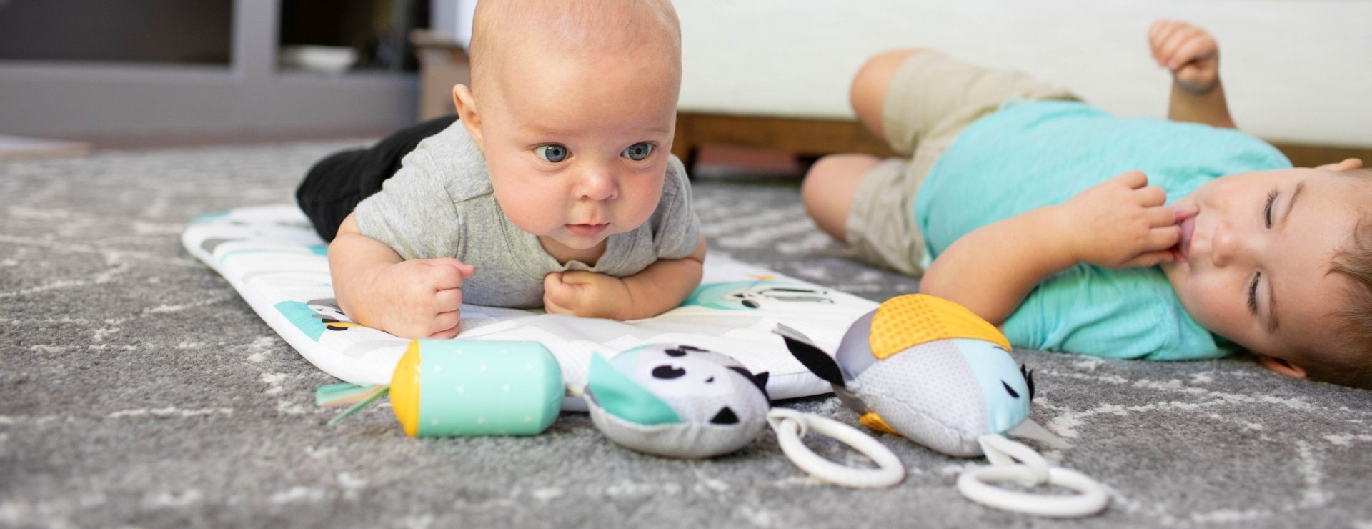 Stand-alone tummy time mat supports motor development