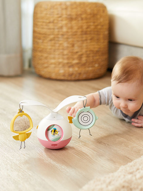 Double-sided mirror & hologram toys attract baby's attention