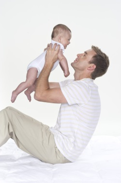 dad_holding_baby